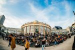 Nuits Botanique: Young woman injured by fall off of stage